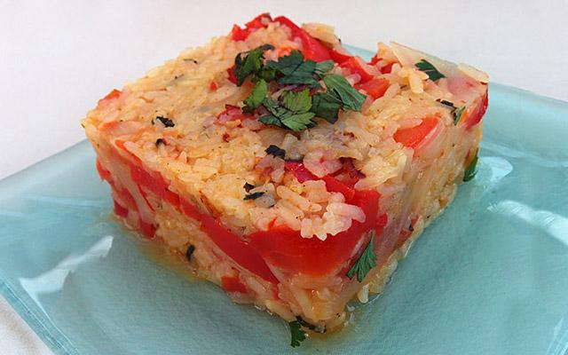 Recette de riz aux tomates et aux poivrons