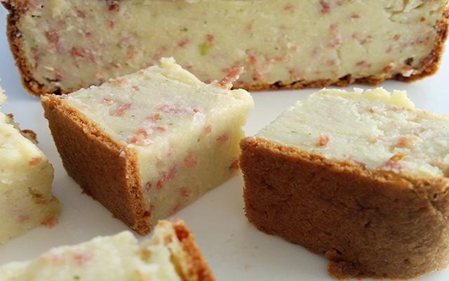 Recette du cake de courgettes aux lardons râpés