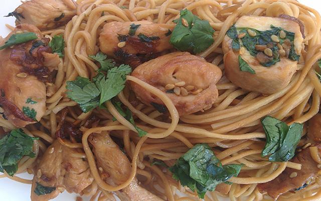 recette_nouille_sautee_poulet