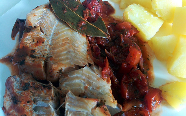 Recette de cabillaud à la sauce tomate et au thym